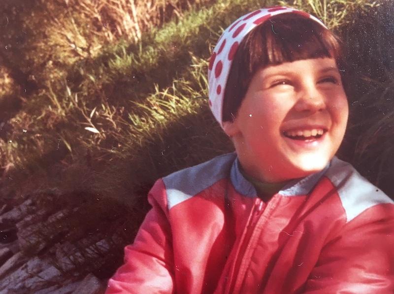 Karin Wiesinger lachend als Kind