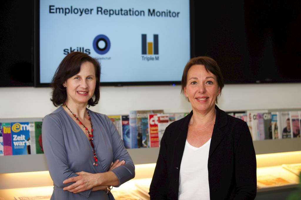Karin Wiesinger,Skills, and Christina Matzka, Triple M, presenting he new tool.
